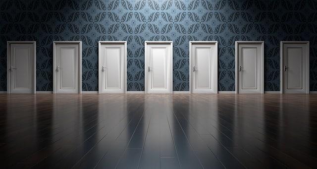 multiples portes alignées