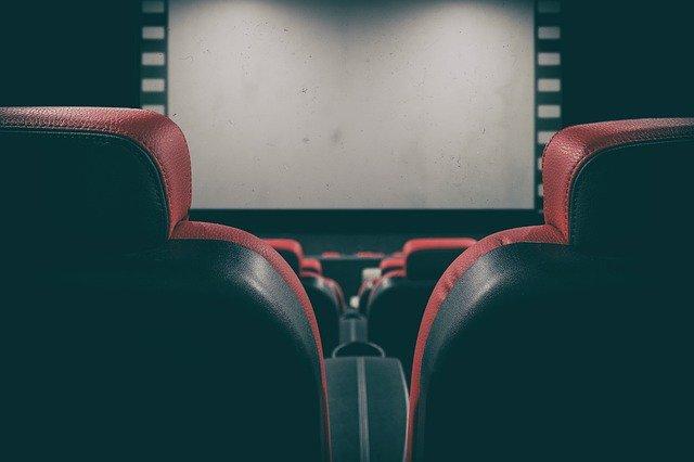 salle de cinéma maison lumière