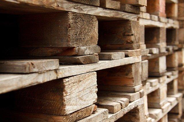 palettes en bois pour construire des meubles