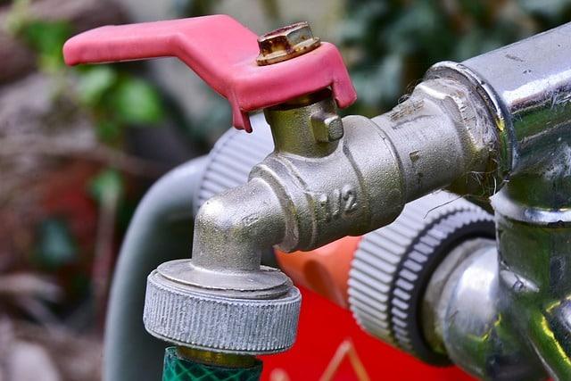 des tuyaux d'eau extérieur