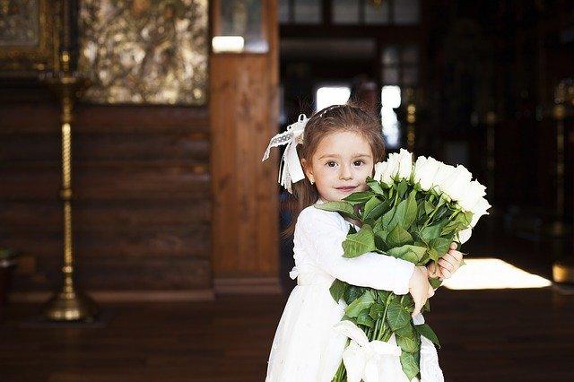petite fille baptisé