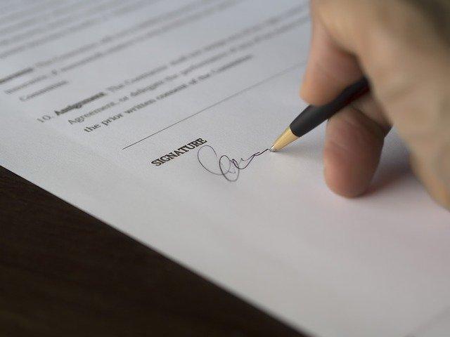 signature d'un prêt immobilier