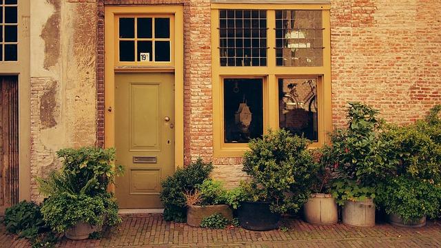 porte d'entrée d'une maison