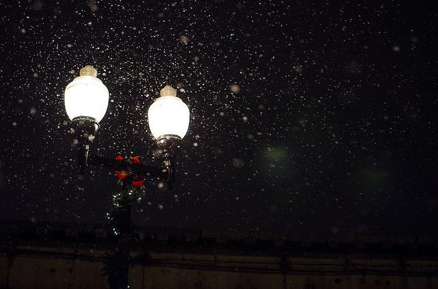 lampadaires dans la rue