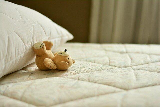 lit au matelas ferme