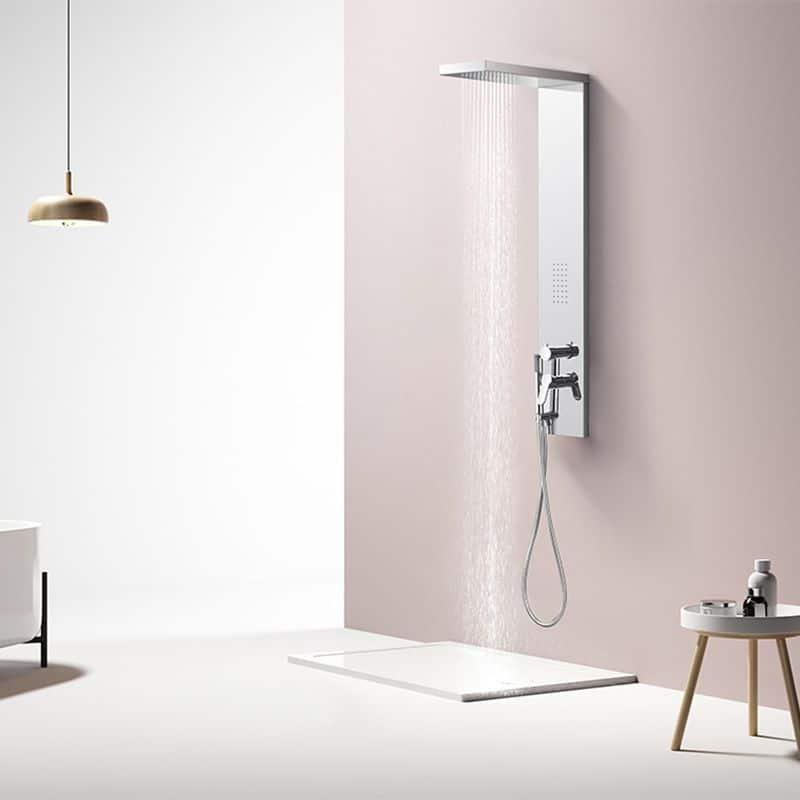 Douche ouverte avec colonne hydromassante